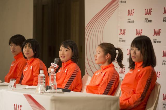 東京オリンピックマラソン女子代表、勝負の世界の厳しさを垣間見る写真